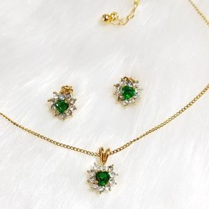 Jewelry - Vintage Fashion Crystal Heart Emerald Set